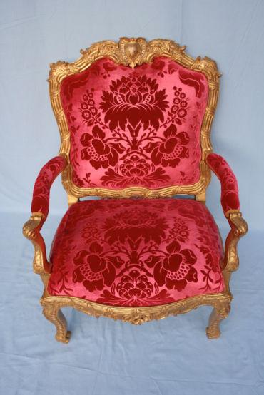 Le fauteuil «à la reine»